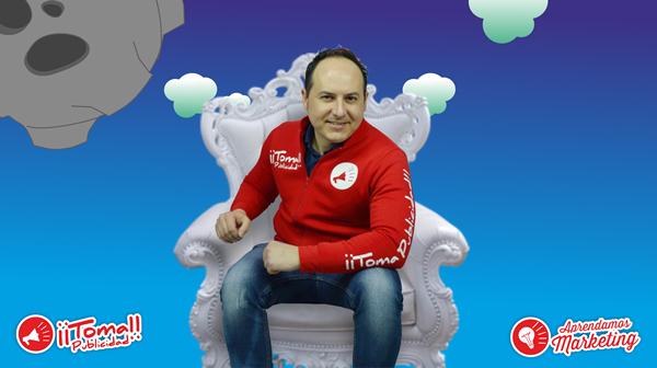 La imagen contiene la foto de perfil de Manuel Caballero sonriendo